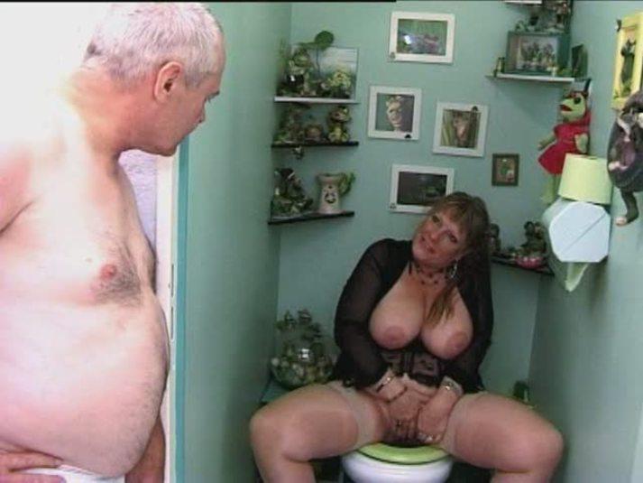 Chica Se Masturba Con Dildo