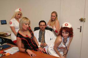 debutantes-infirmieres-scene-n-3