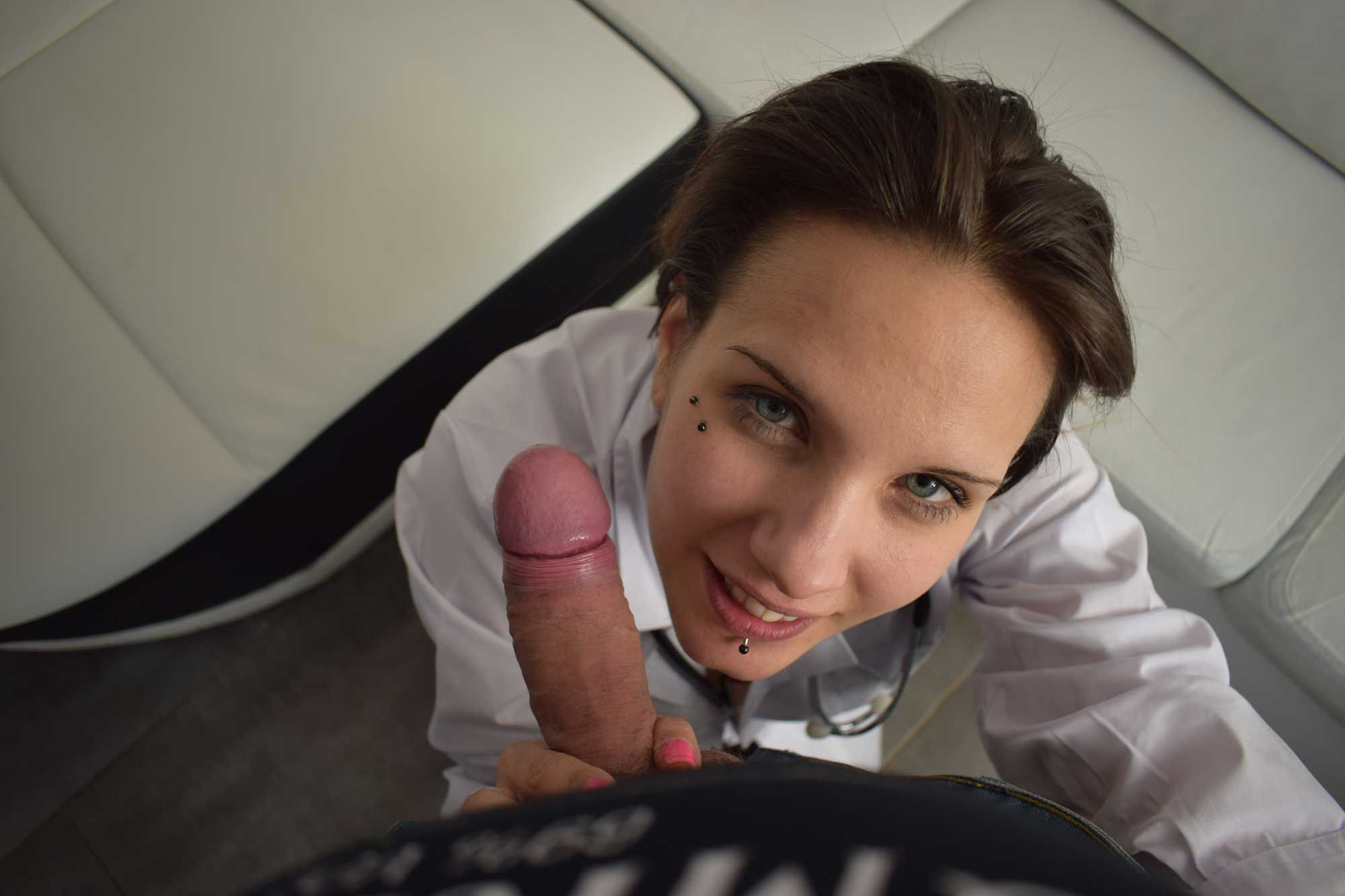 elena-black-infirmiere